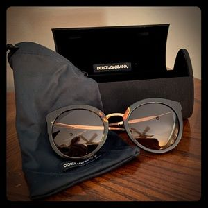 Like new, Dolce & Gabbana sunglasses.
